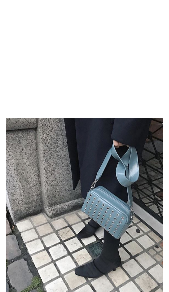 Hvisk Luster Studded Crossbody Blue 스트랩크로스백